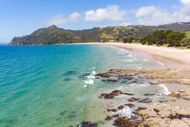 Strand auf Coromandel in Neuseeland