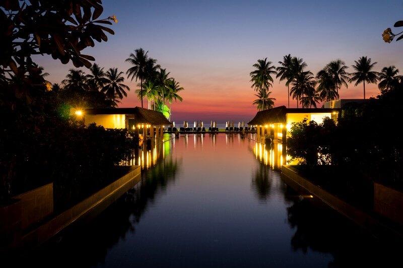 Sonnenuntergang Hotelpool Khao Lak