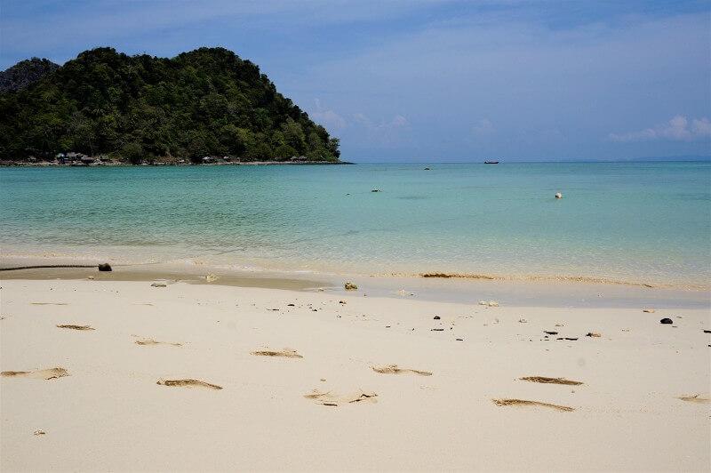 Strand in der Bucht von Phang Nga