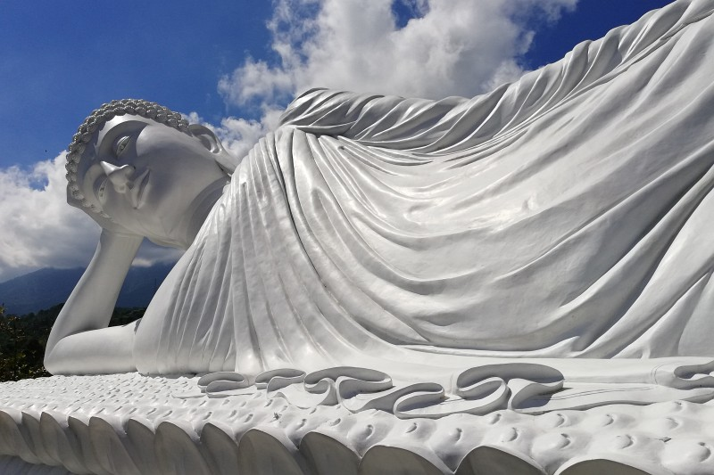 Weißer Buddha Bali